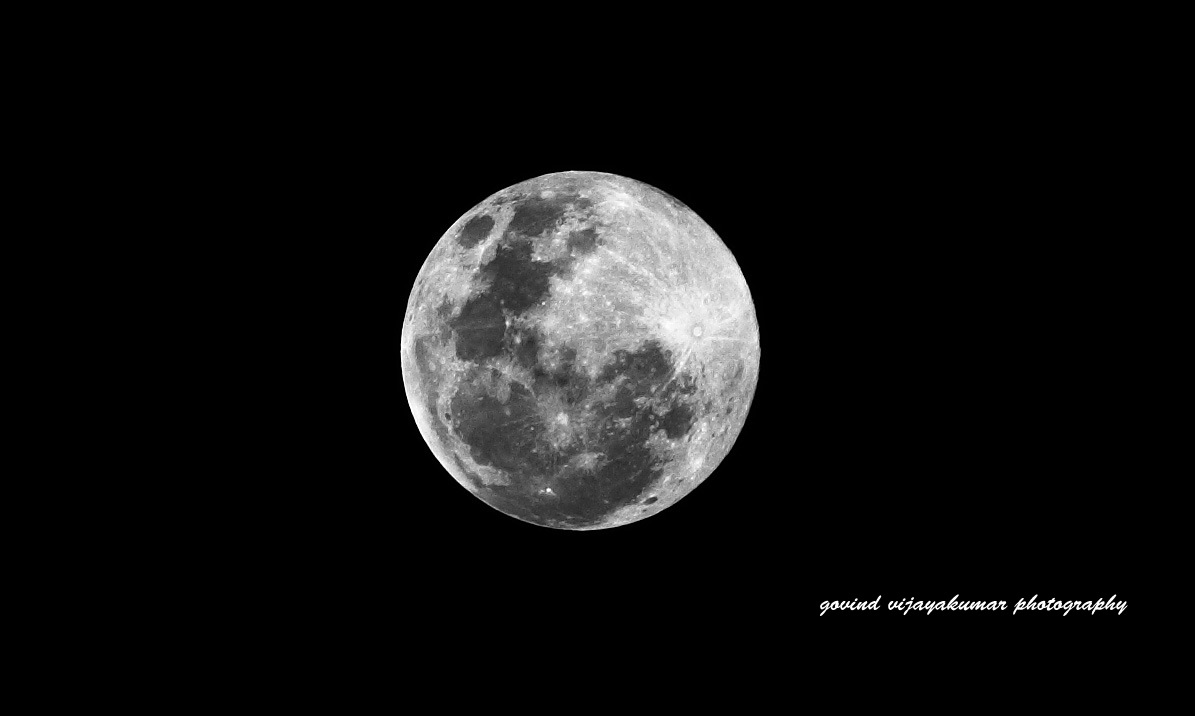 Full Moon Picture in Monochrome