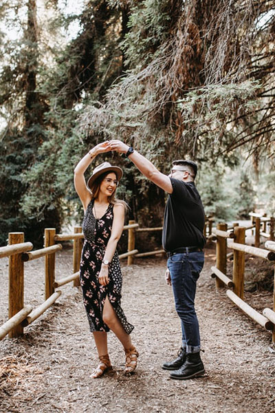 Engagement photo shoot reasons